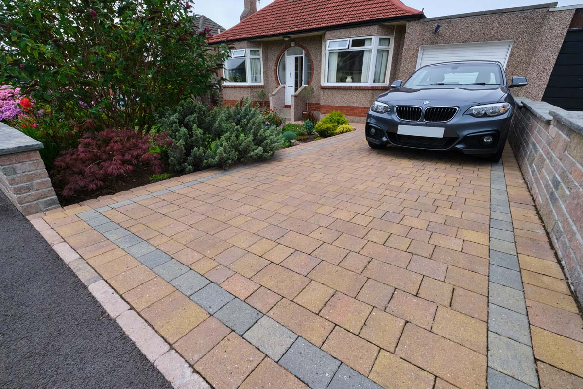 Driveway, path, walling and kerbs by Stow Construction and Landscaping in Craiglockhart, Edinburgh 02